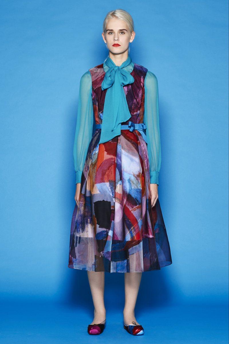 设计图发布会服装搭配大牌女装女装穿衣搭配米兰时装周mantu 服装设计