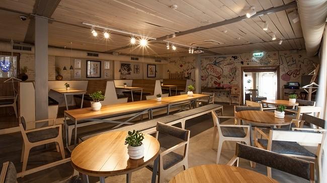 清新咖啡馆—fooodcafe工业风格室内设计实景图