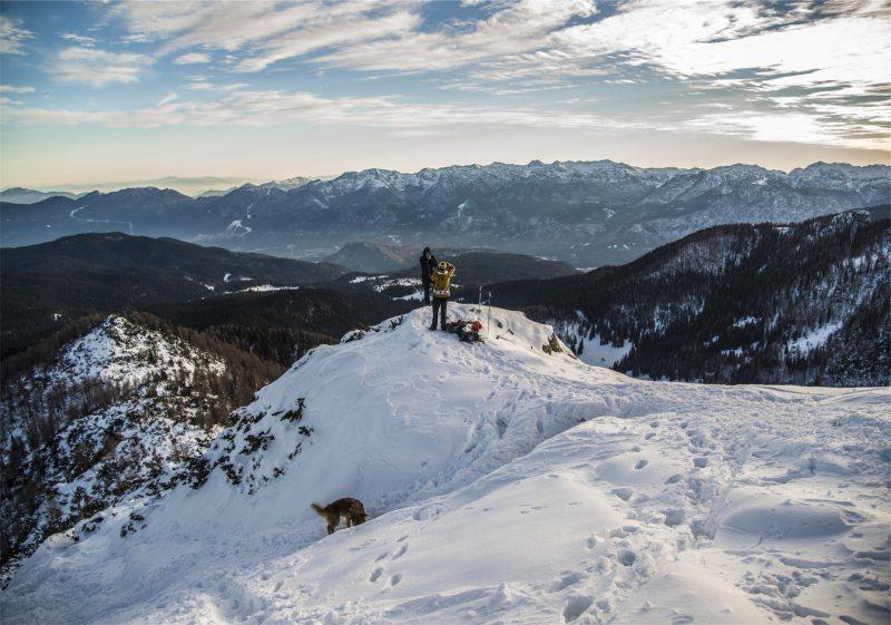 背景 自然图片 自然风景 雪山山顶摄影图 高清背景图片 壁纸 大自然