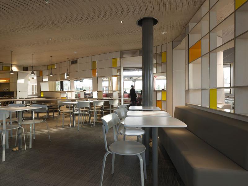 室内 餐饮会所类装修 现代风格 法国麦当劳餐厅全新的内部形象设计