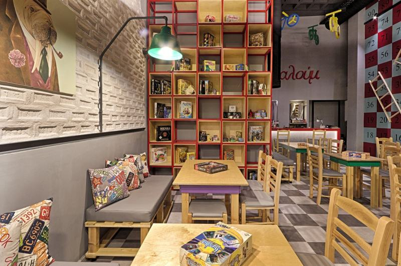 Triopton Architects作品--棋盘游戏咖啡馆混搭风格室内设计实景图