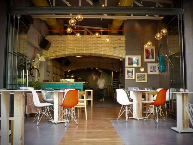 大提琴酒吧工业风格室内装饰装修设计实景图