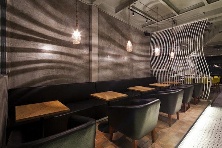 酷炫为主的越南拉面餐厅工业风格室内装饰装修设计实景图