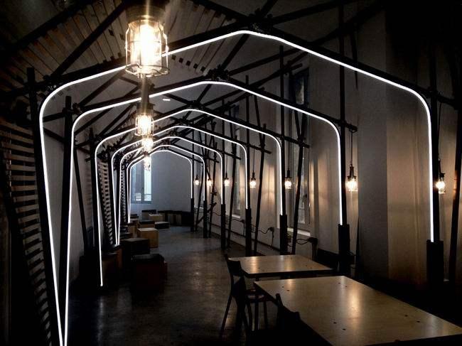 法国蒙彼利埃24lines咖啡厅工业风格室内装饰装修设计实景图