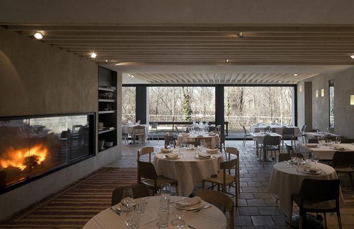 马德里休闲餐厅工业风格室内装饰装修设计实景图