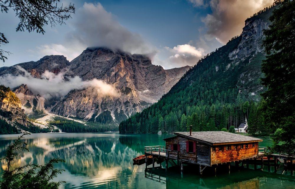 背景 自然图片 自然风景 湖光山色的乡村小屋 高清自然风景背景摄影图
