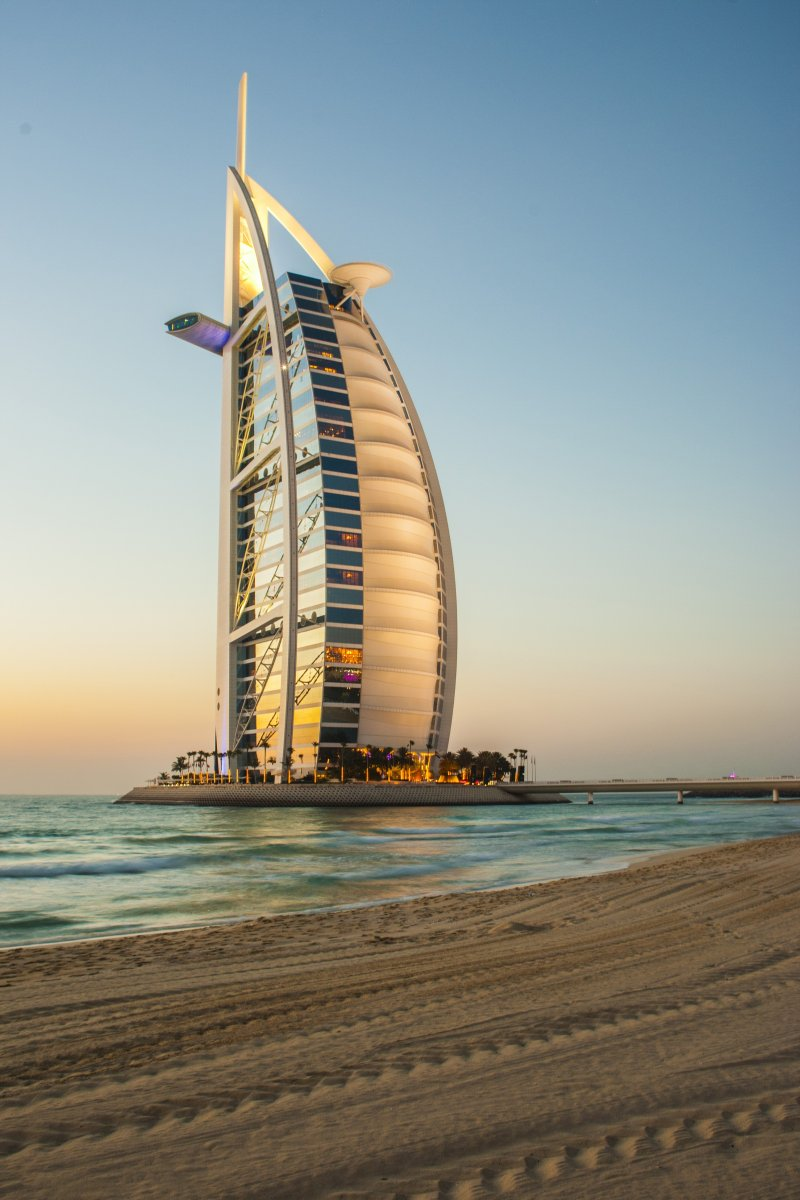 帆船酒店 高清城市建筑风光背景摄影图 壁纸