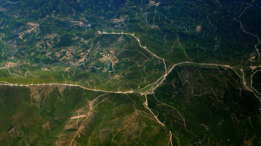 俯视平野 高清自然风景背景摄影图 壁纸